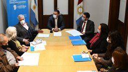 El ministro de Justicia y DD.HH., Julián López, recibió a los diputados nacionales Carlos Gutiérrez y Paulo Cassinerio, autores del proyecto presentado en el Congreso de la Nación.