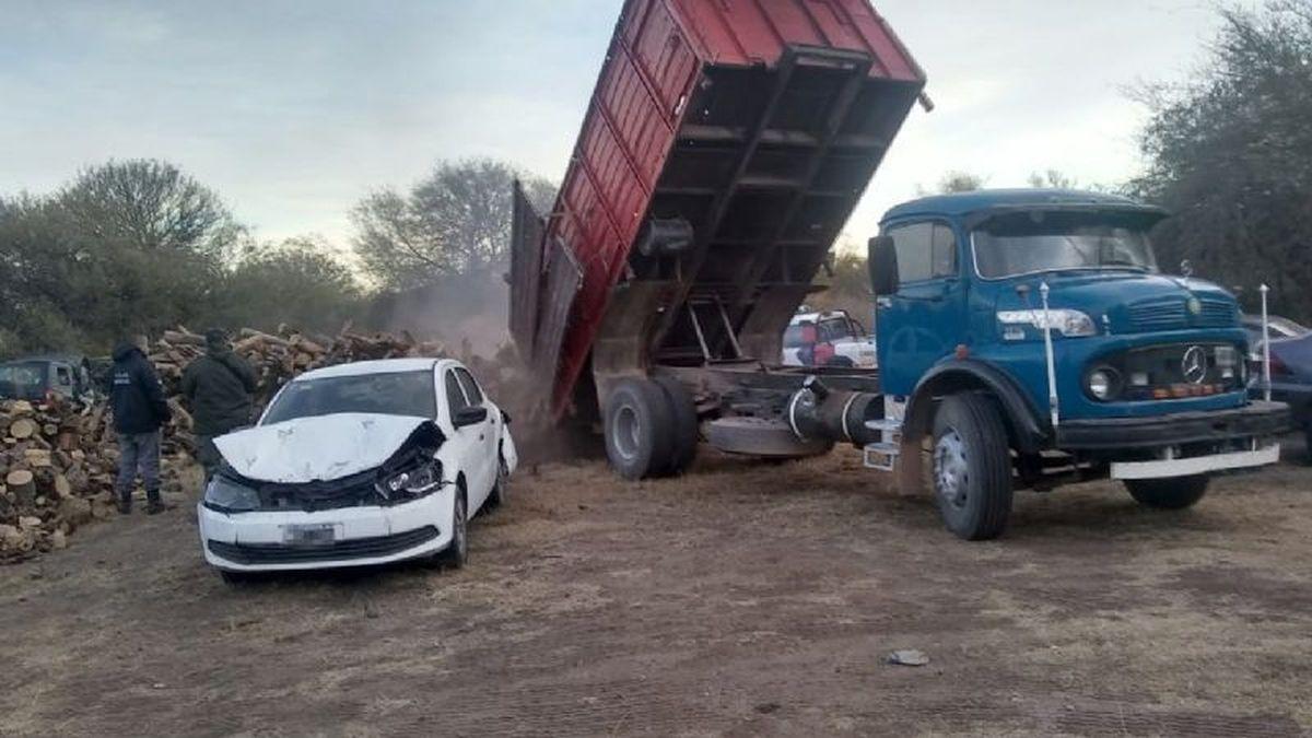 Incautaron casi 60 toneladas de leña en Cruz del Eje y Charbonier