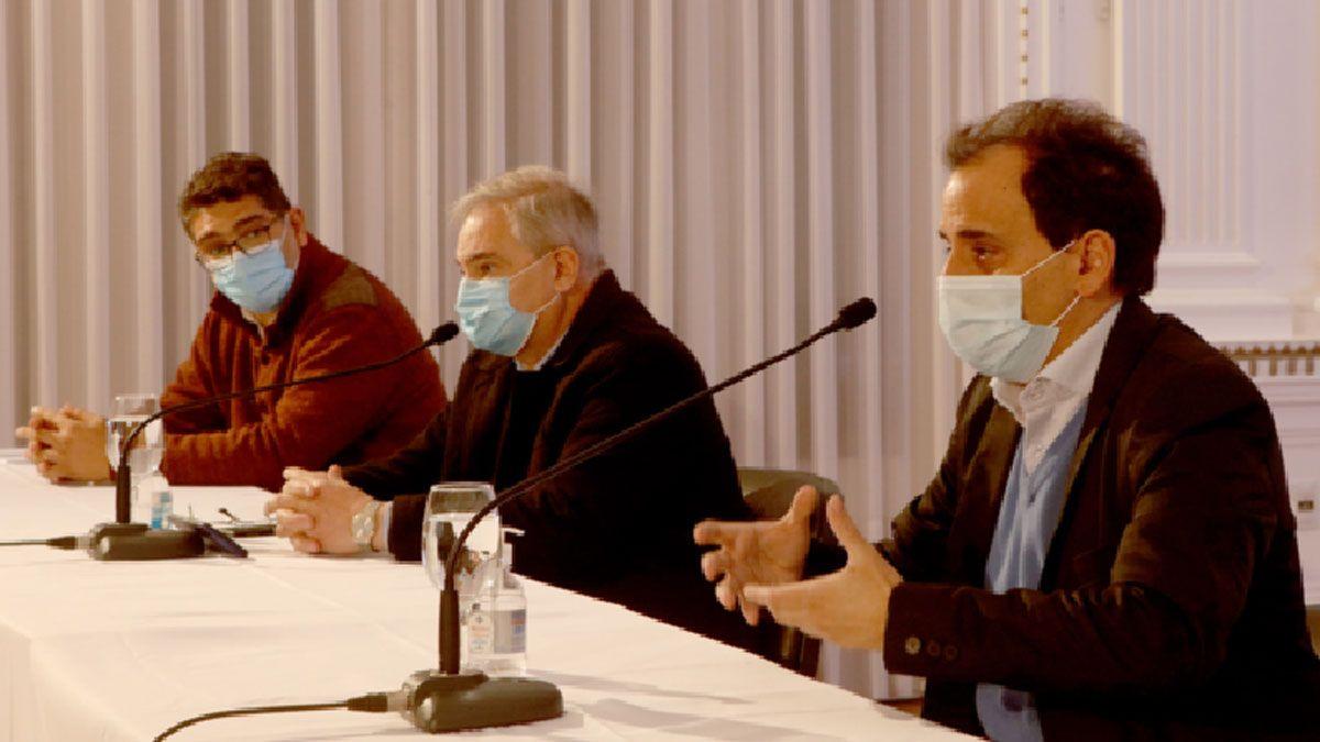 El doctor Almada ya había aparecido en el informe sanitario dado por Llamosas la semana pasada.