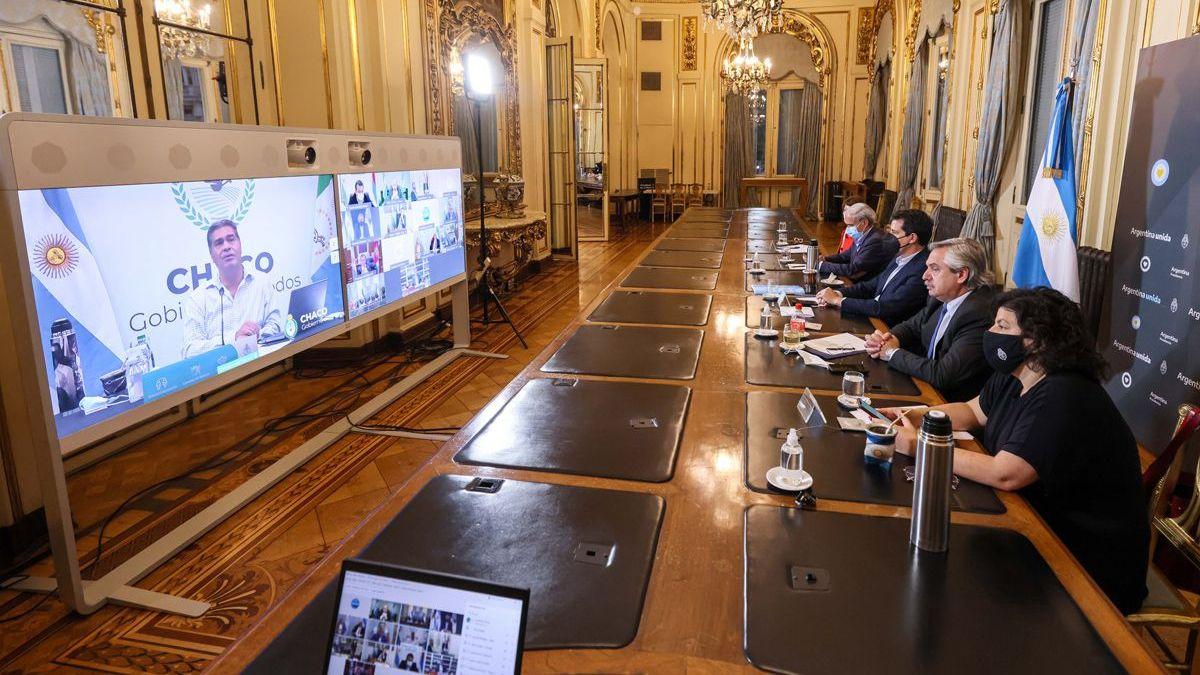 El presidente Fernández se reúne por videoconferencia con doce gobernadores.