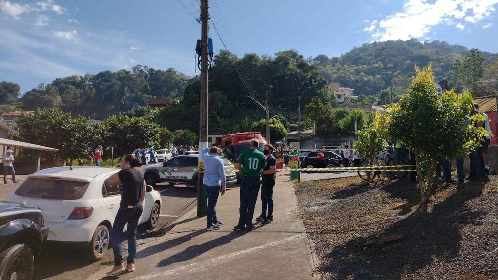 Un adolescente mata a tres niños y una maestra en un jardín de infantes del sur de Brasil
