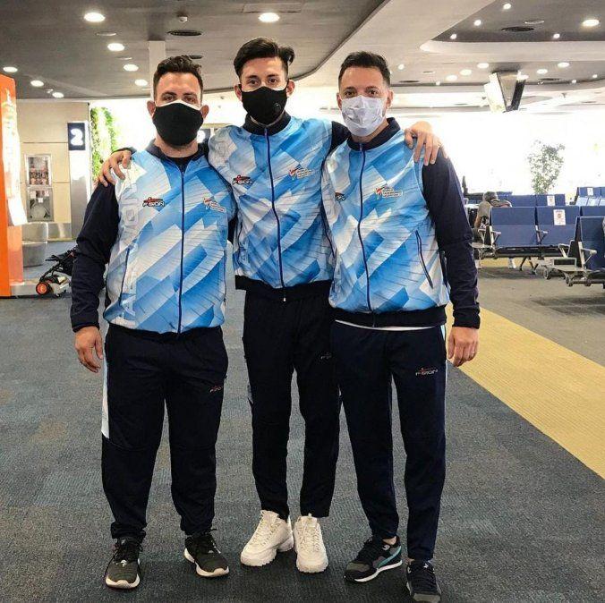 Ezequiel Beliera junto al taekwondista Lucas Guzmán y el entrenador Taraburelli.