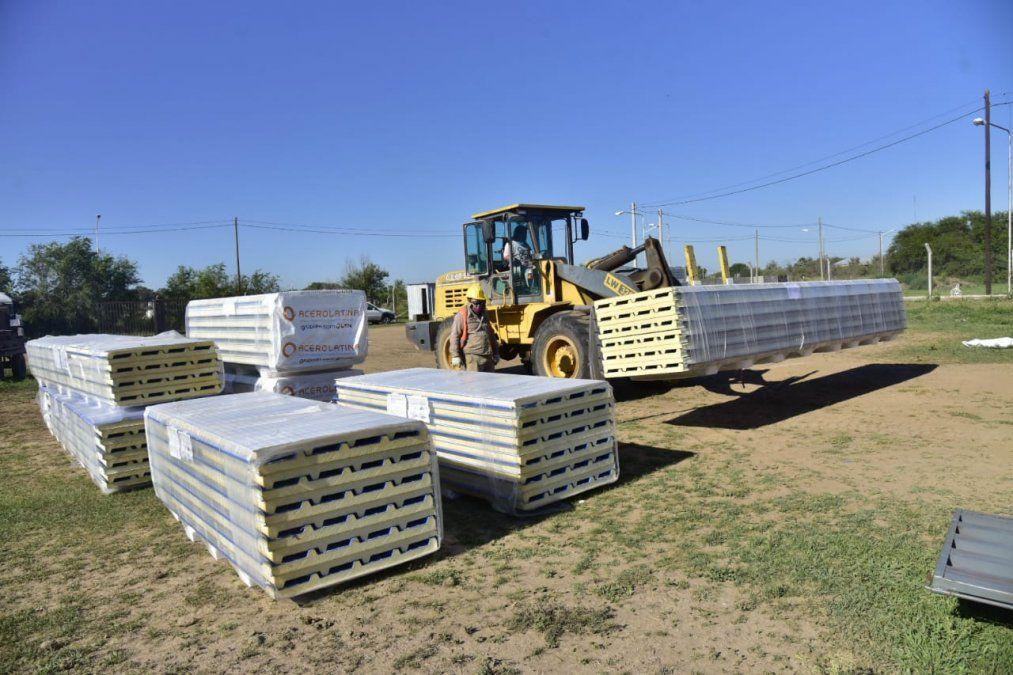 Comienza la colocación de los techos en las 47 viviendas de barrio Evita