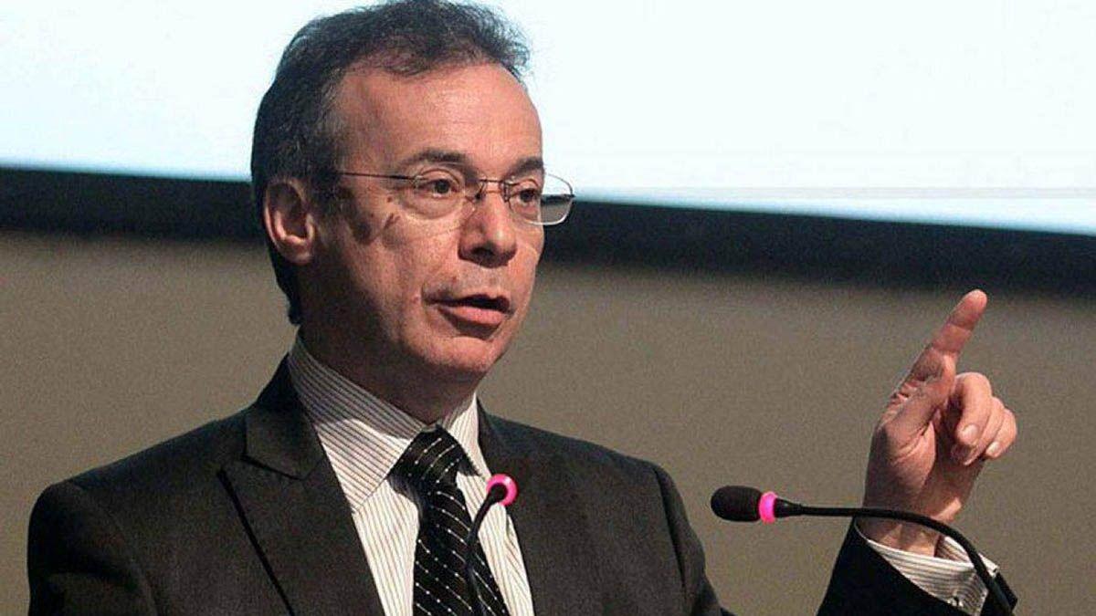 Menor emisión, mayor ingreso de divisas y posibles fondos del FMI explican la baja del dólar, dijo Artana