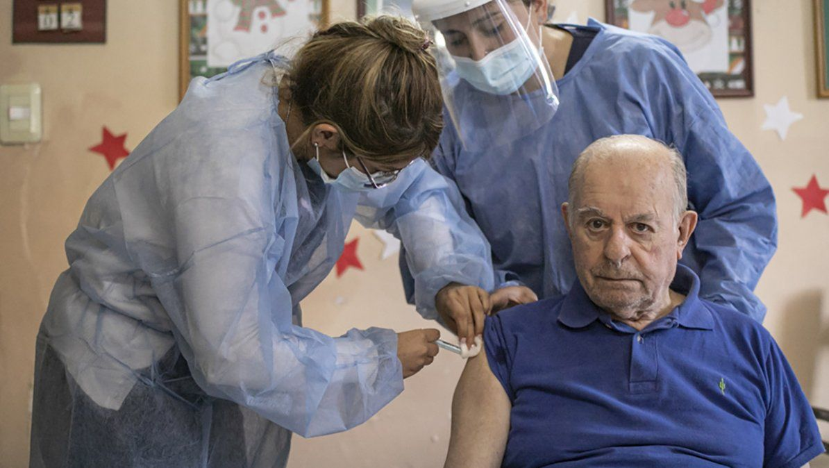 La vacunación para mayores de 70 arrancará el martes en la provincia