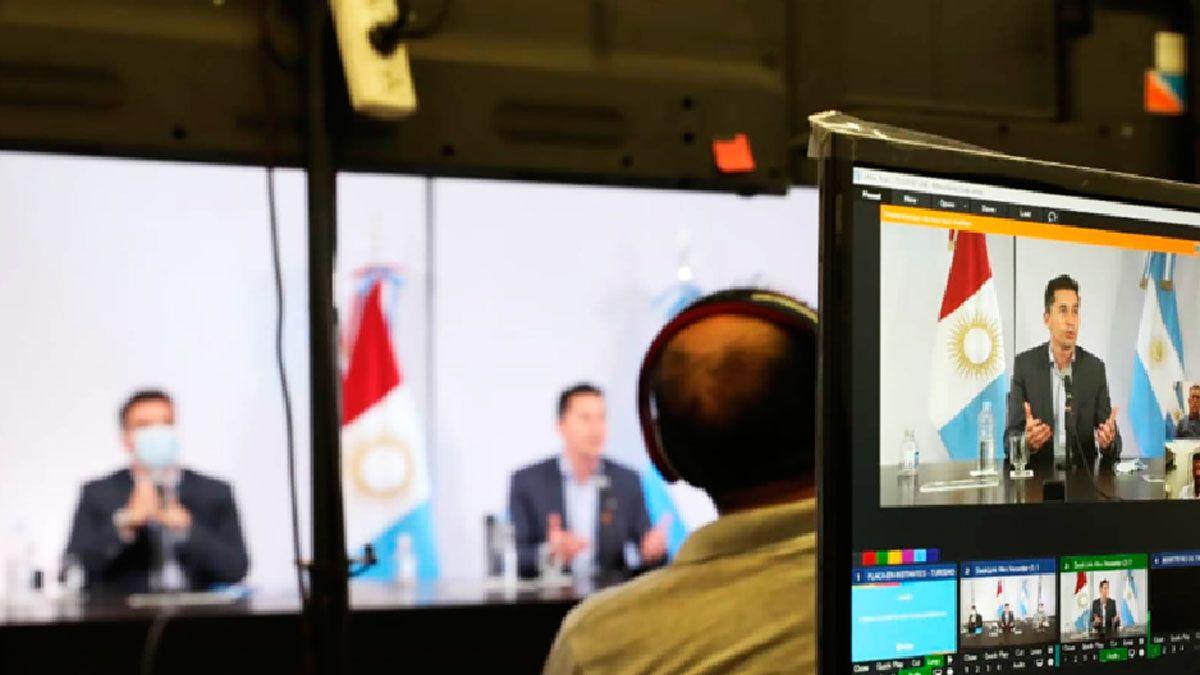 Calvo mantuvo una reunión con los intendentes por el turismo.