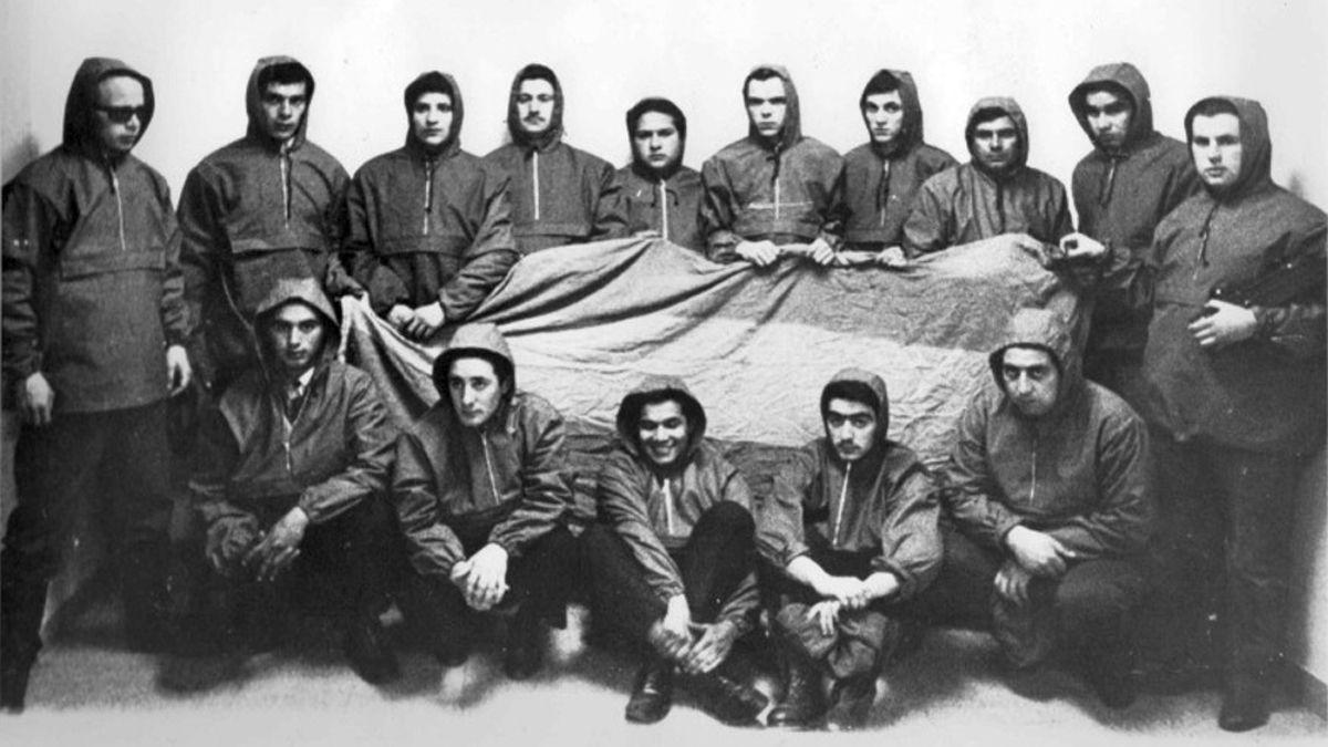 Los jóvenes que tomaron el avión y volaron hasta Malvinas en 1966