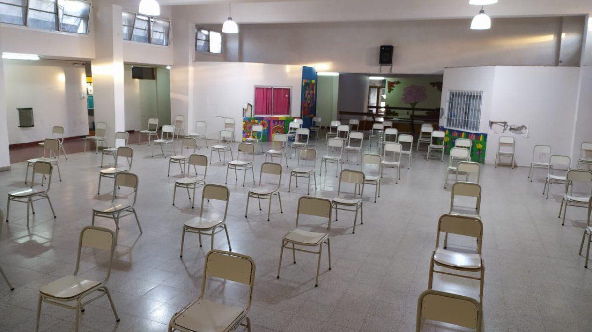 Docentes y directivos retornan hoy a las escuelas de manera presencial