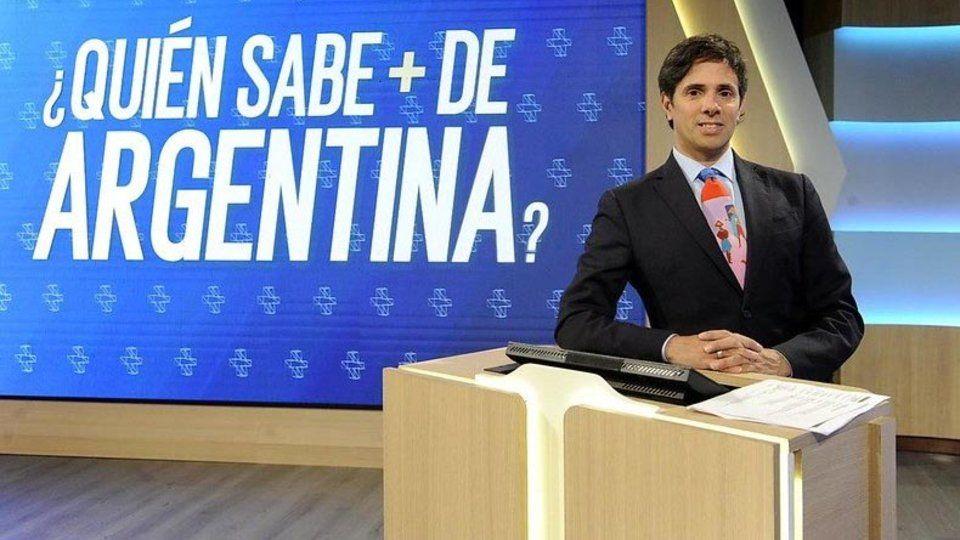 """Robertito debutó ayer en la TV Pública con """"¿Quién sabe más de Argentina?""""."""