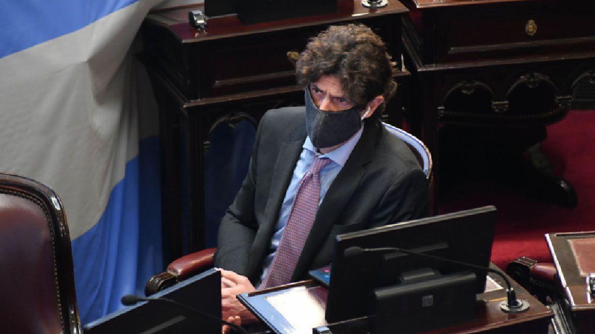 Martín Lousteau anticipó la posición contraria de Juntos por el Cambio al decreto que congela las tarifas de los servicios.