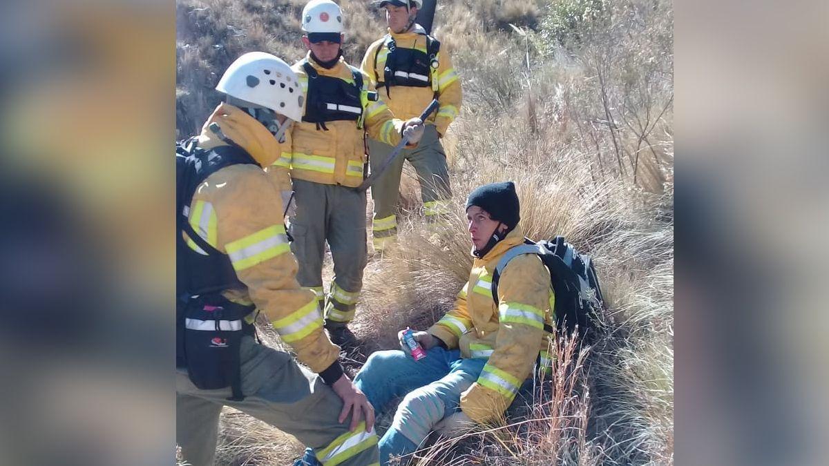 El joven fue rescatado en la zona serrana de San Luis.
