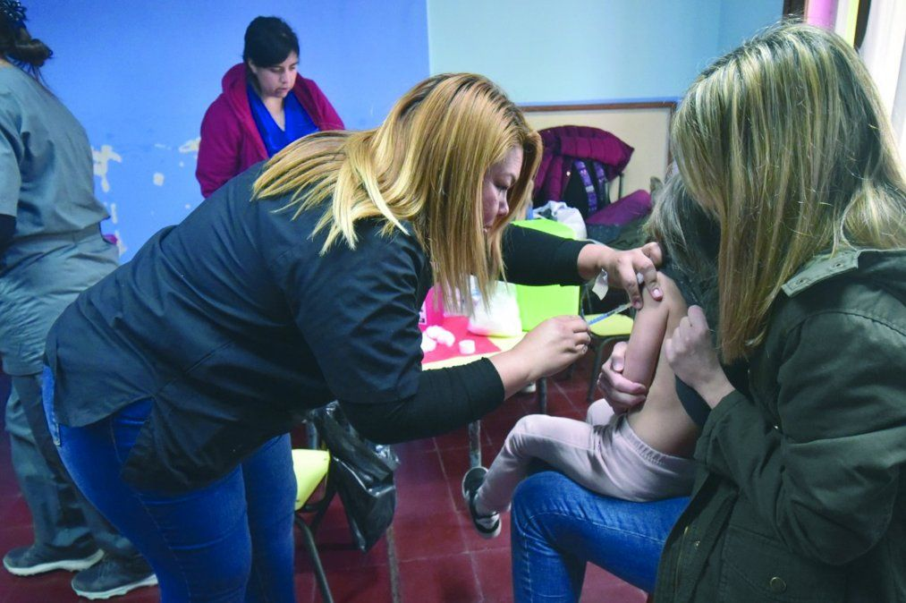 Las fotos pertenecen a la vacunación de niños villamarienses por fuera de la pandemia (foto archivo).