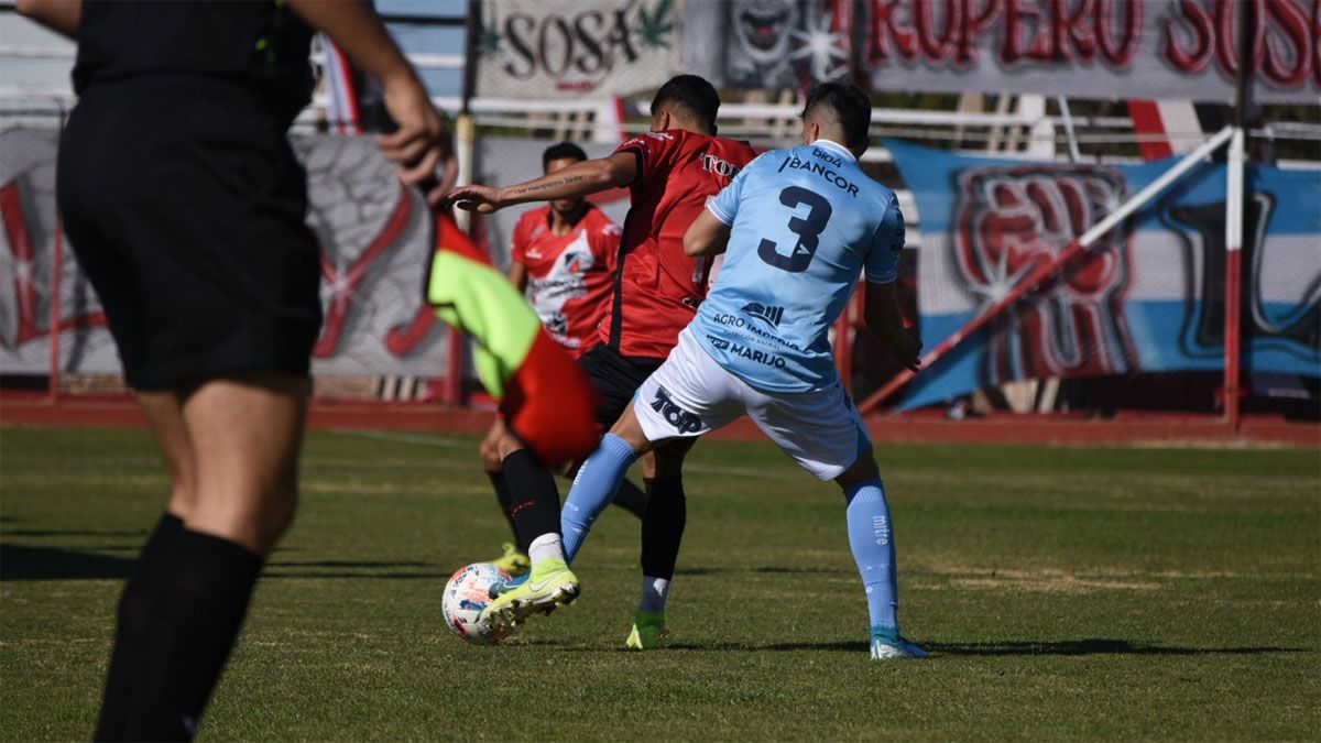 Estudiantes perdió en Mendoza ante Deportivo Maipú.