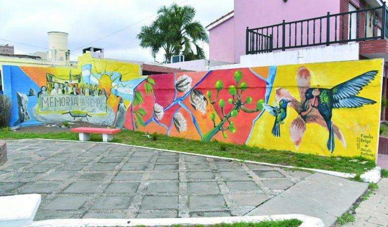 """""""Memoria Sin Tiempo"""": el mural de la familia Felipe"""
