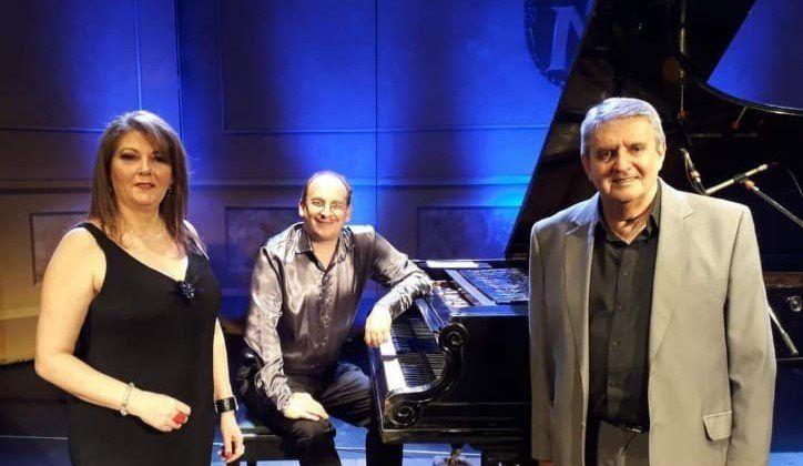 Tango por Tres de Río Cuarto realiza un mini recital.