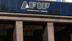 La AFIP estableció el mecanismo para que las empresas que incumplieron las condiciones previstas restituyan los fondos correspondientes al salario complementario.