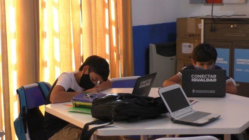 Por falta de kits sanitarios, algunas escuelas siguen en la virtualidad