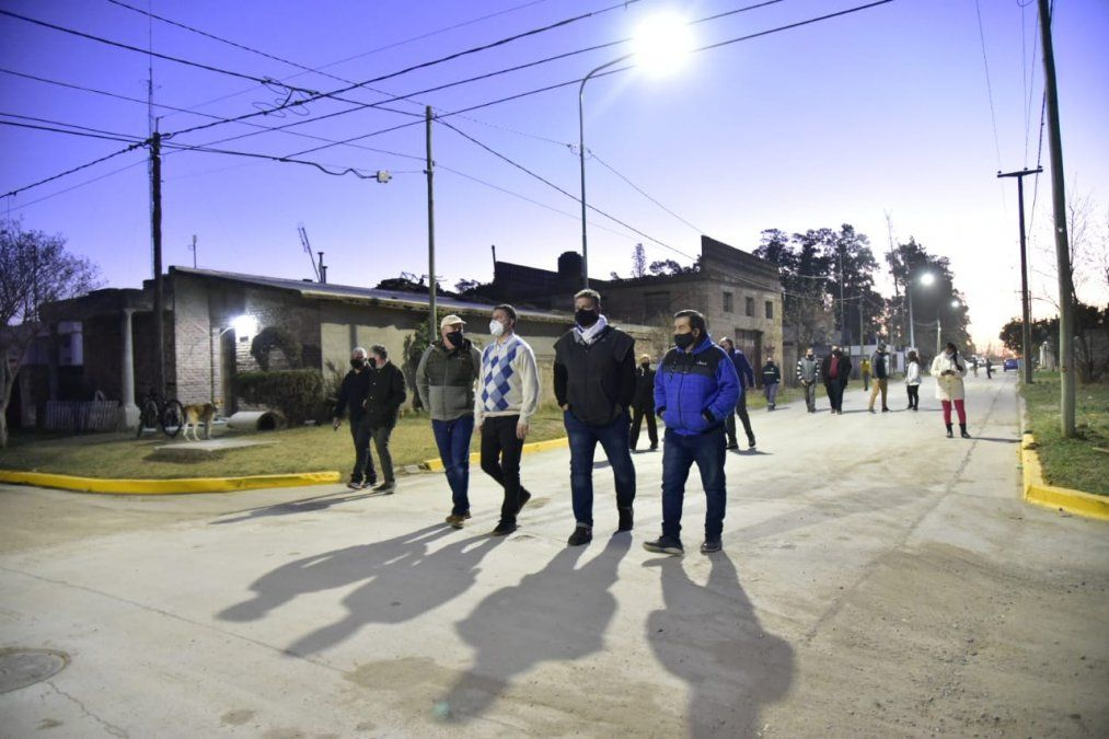 Pavimentación: más de 30 cuadras en ocho barrios