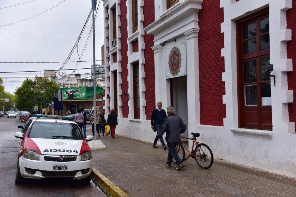 Policías detenidos: el jefe de las departamentales Sur de reuniones en Villa María