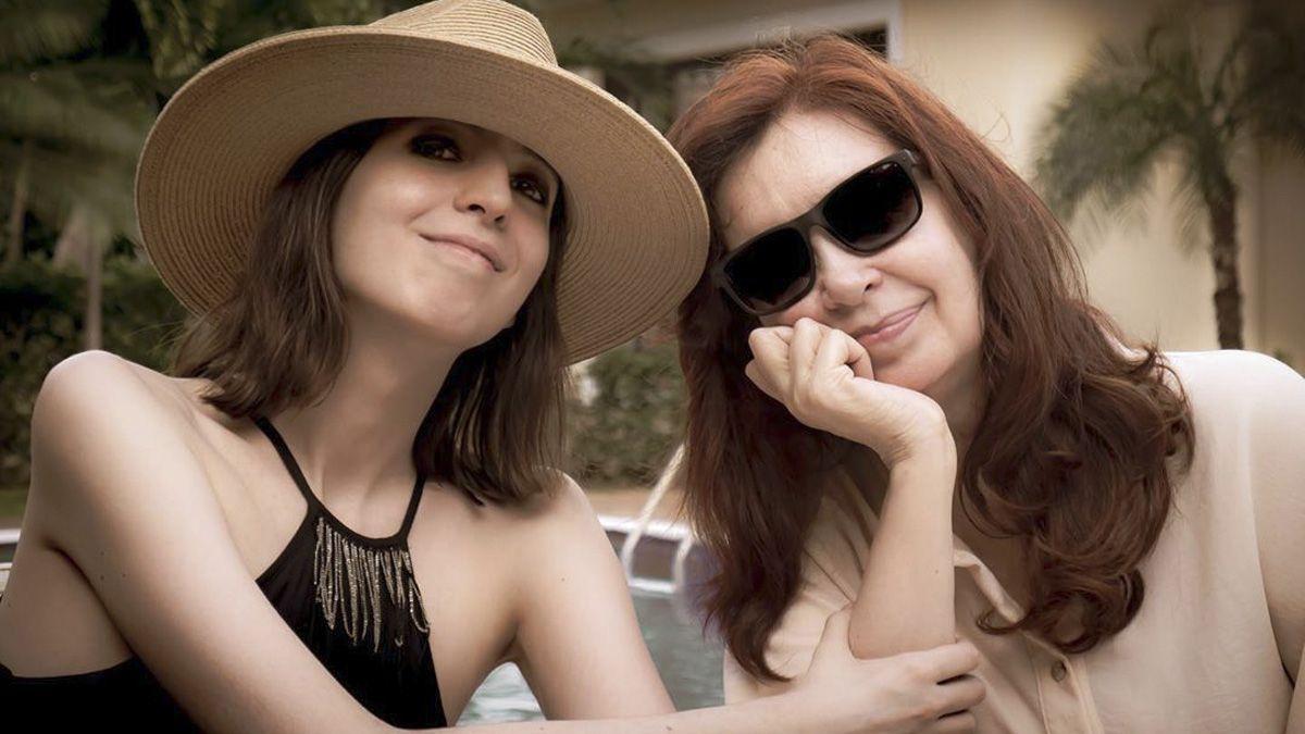 Uno de los encuentros de Florencia y Cristina en Cuba.