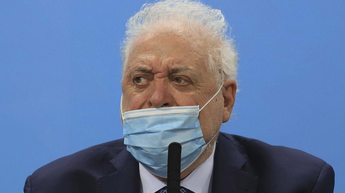Imputaron a Ginés por el vacunatorio VIP y allanaron el Ministerio de Salud