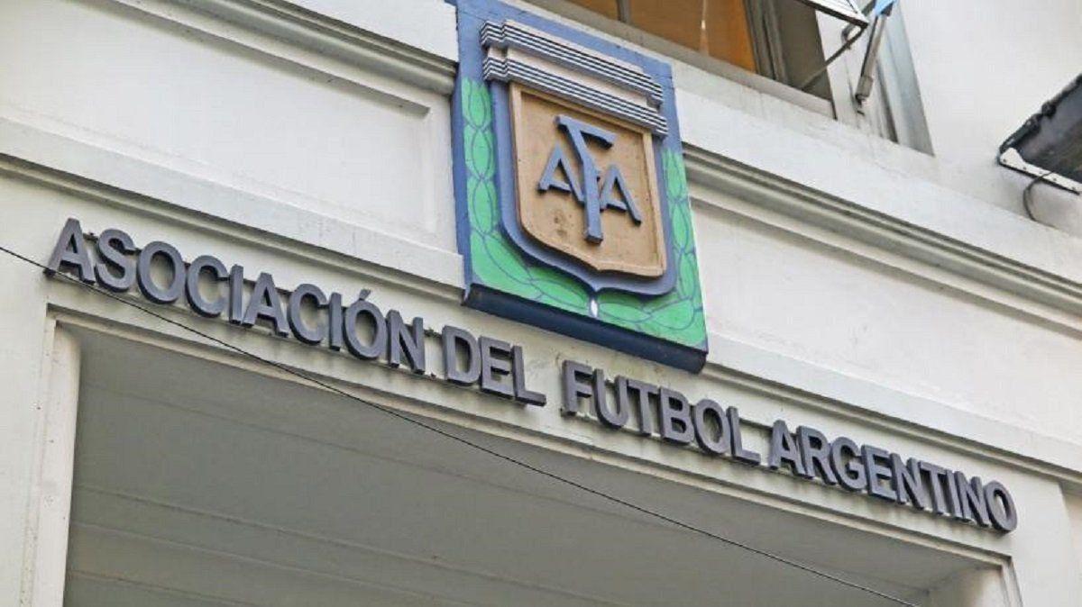 Por ahora sin suspensión del fútbol, la AFA exigirá protocolos más estrictos