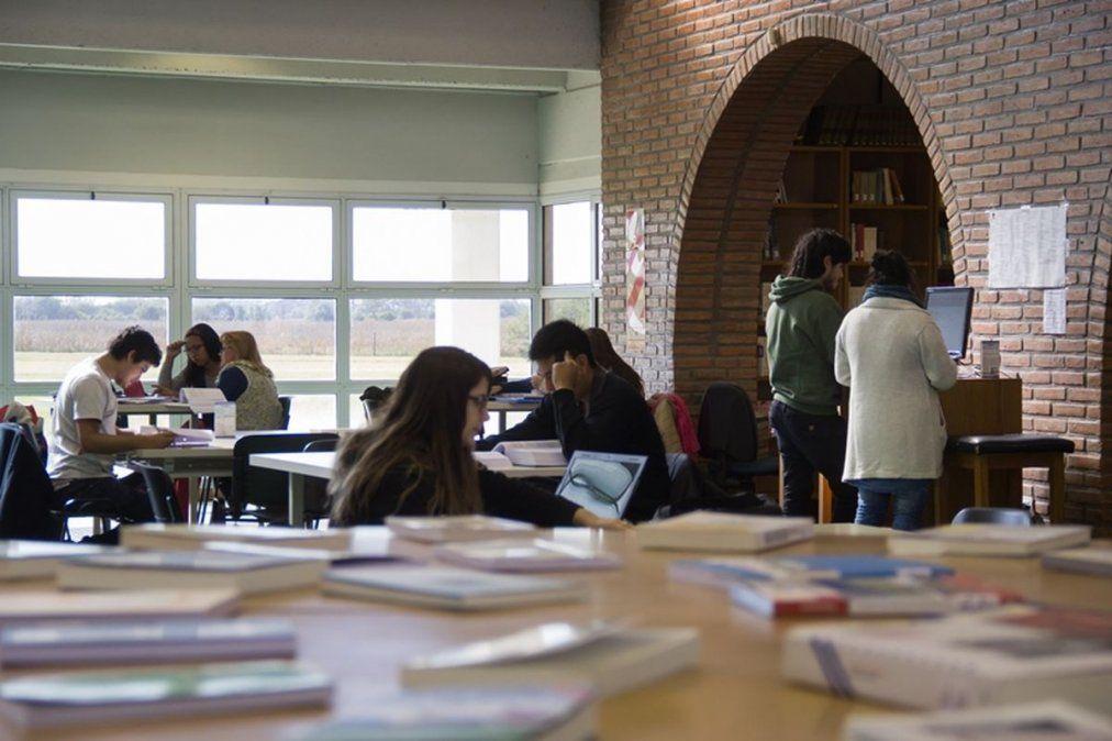 Becas Científicas CIN: 15 estudiantes de Humanas fueron seleccionados