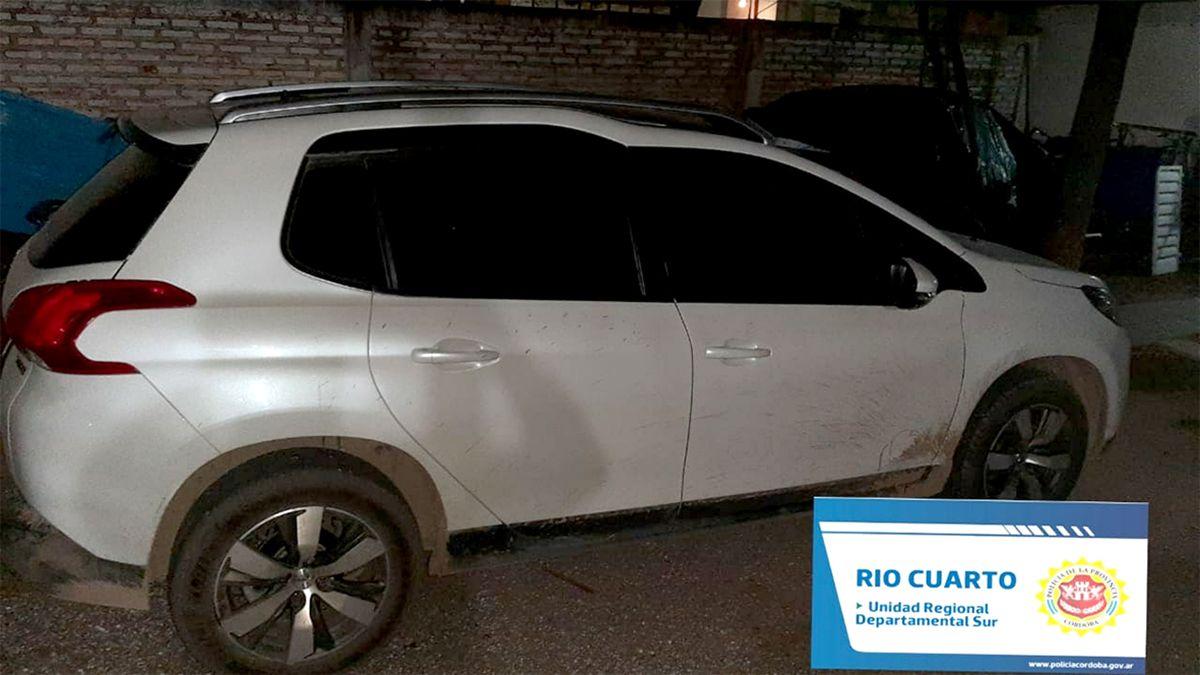 Recuperan un auto robado hace 60 días: lo manejaba un policía y quedó detenido