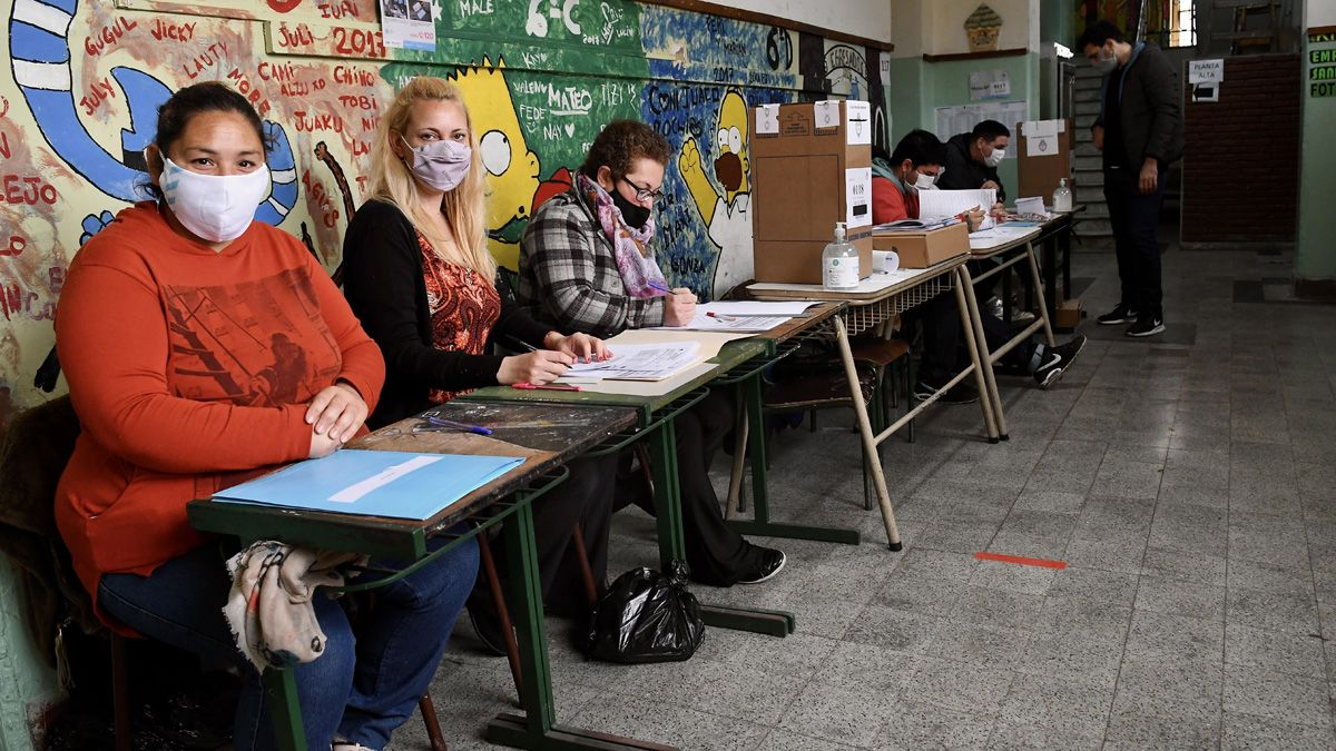 Las elecciones son desarrolladas en medio de protocolos sanitarios.