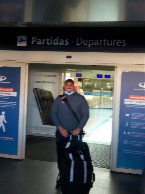 Joaquín Blangetti en la tarde de ayer en Ezeiza. El Pumita local jugará en Francia.