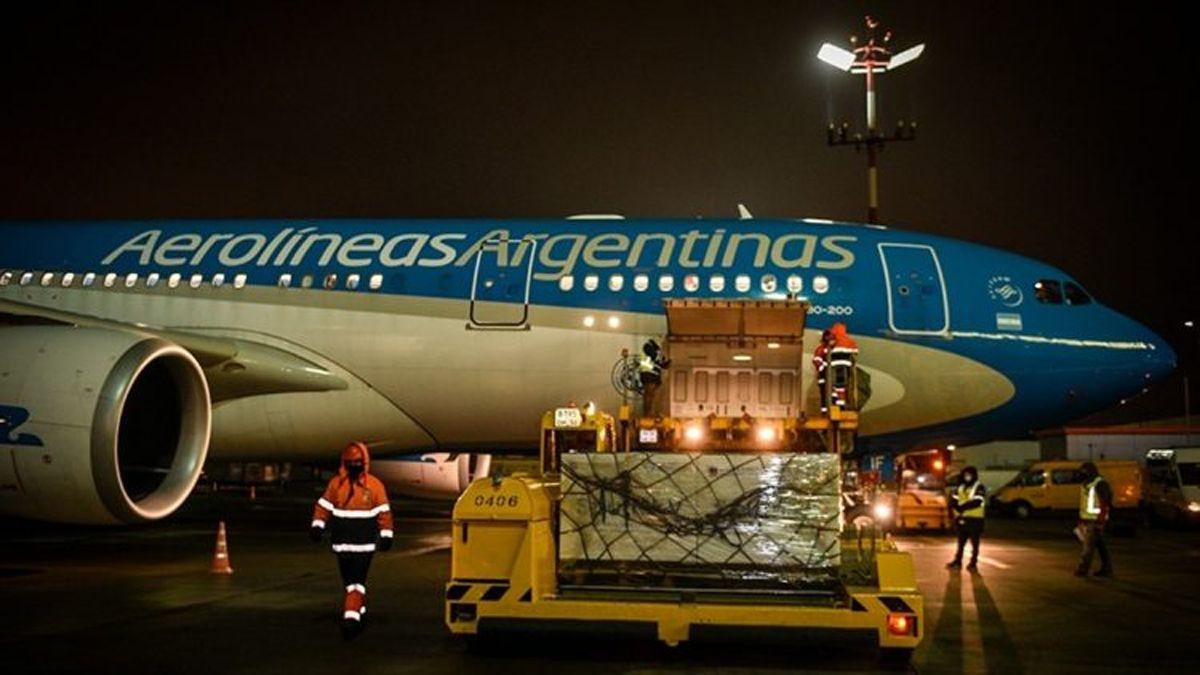 El vuelo que trae un nuevo cargamento de Sputnik V llegará esta tarde
