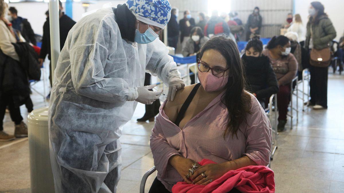 También llegó a la provincia una partida de 64.000 dosis de la vacuna Sinopharm.