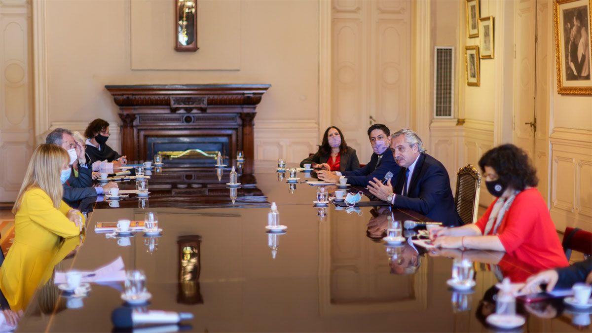 El presidente Alberto Fernández puso en funciones la mesa de Salud y Educación nacional