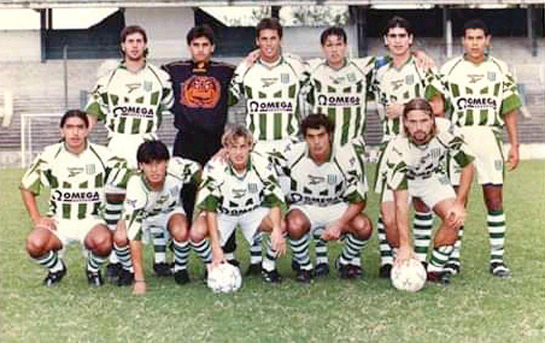 El elenco de Liga Deportiva Universitaria de Portoviejo. Pablo Suárez jugó en la Primera de Ecuador.