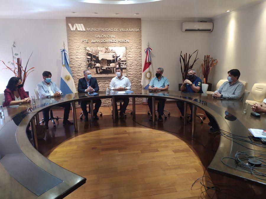 La firma del convenio se llevó a cabo en el Salón Oval del Municipio