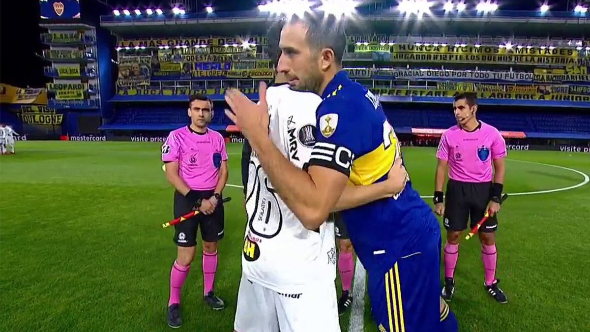 Con polémica, Boca empató con el Atlético Mineiro