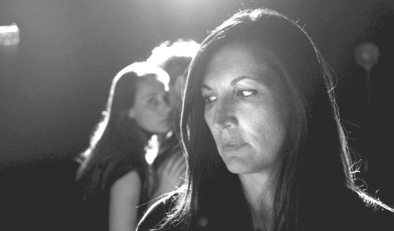 Dos actrices locales ante el desafío de poner en escena un film de Bergman