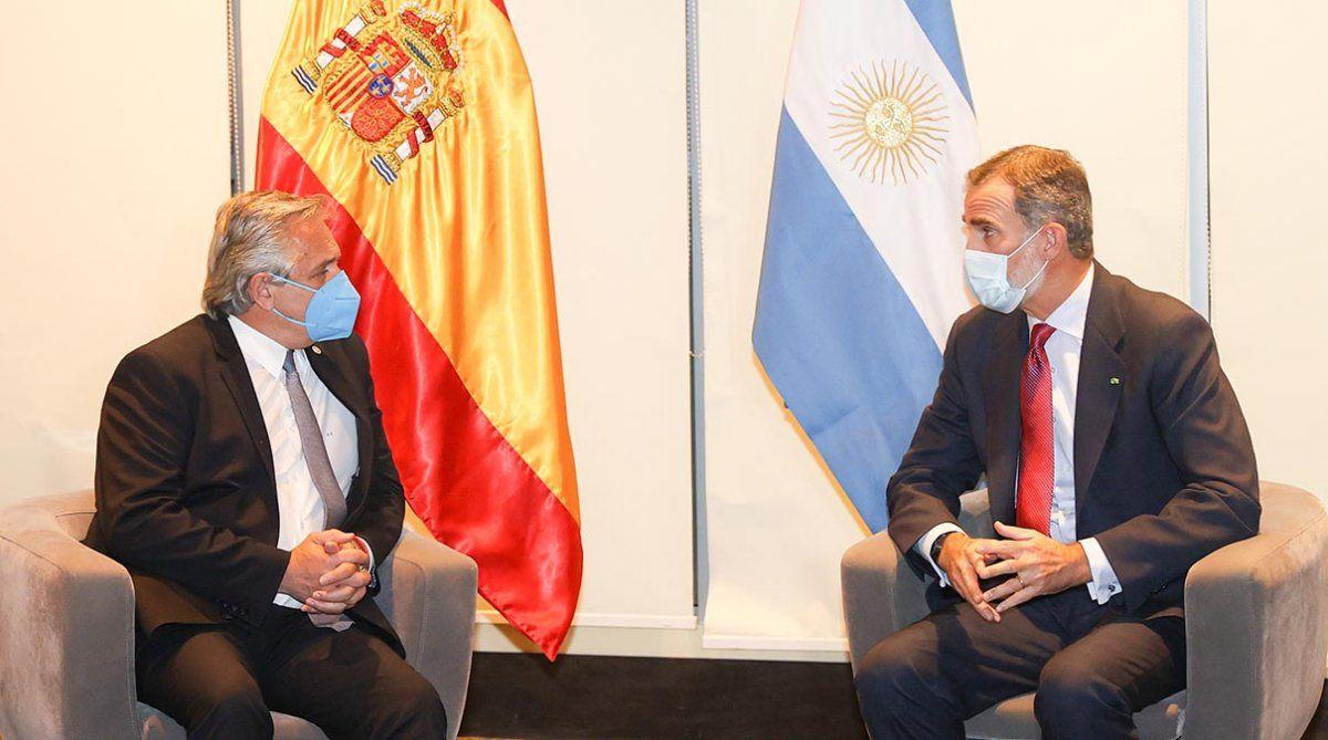 Fernández asiste a la asunción de Arce como nuevo presidente