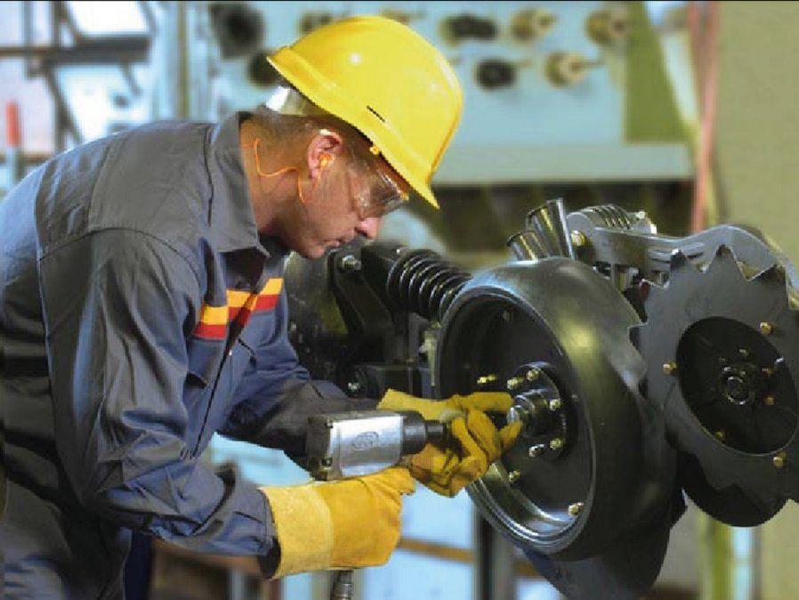 El sector de la maquinaria agrícola genera producción y empleo. El aumento permanente del acero es la principal preocupación.