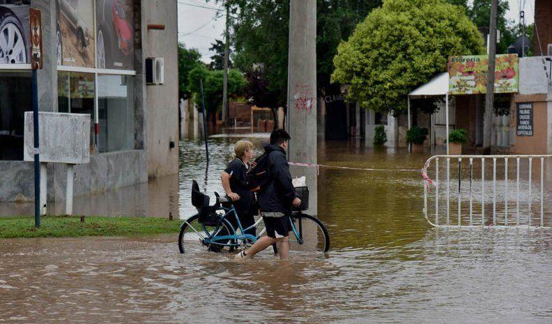 Rutas, calles y vados cortados al tránsito por la crecida de ríos tras las lluvias en Córdoba