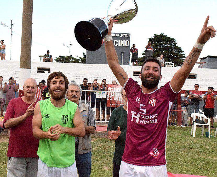 El 5 de enero de 2020 Ayrton Páez y Juan Bianchi levantaron la copa. Ticino quiere jugar el Federal.