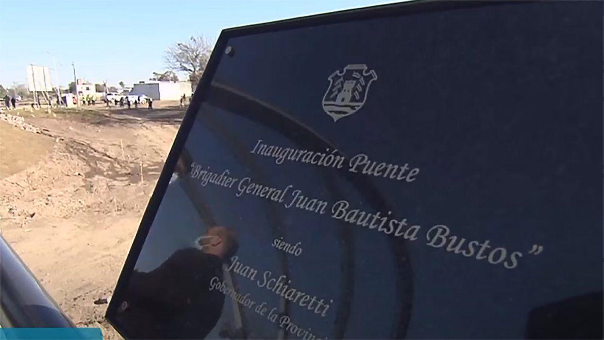 Descubrieron una placa recordatoria a los fines de dejar sentada la fecha de inauguración de la obra.