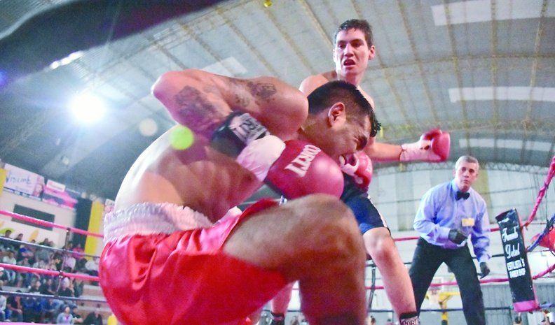 Con Julián Ávalos no hubo tiempo ni para acomodarse: noqueó en el primer round