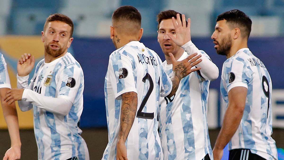 Argentina va por las semis de la Copa América