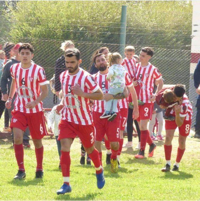 Atlético Ticino empató el domingo con Universitario 3 a 3. En las últimas horas se confirmó su participación en el Torneo Federal.