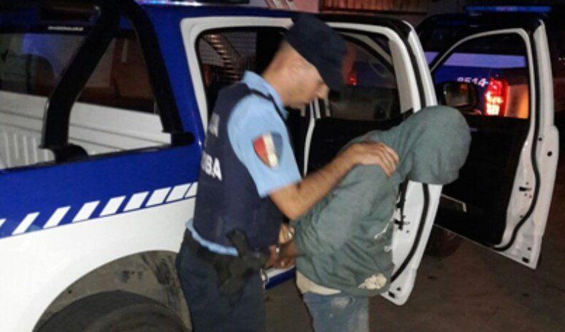 Detuvieron a un hombre por robar y por desobediencia a la autoridad