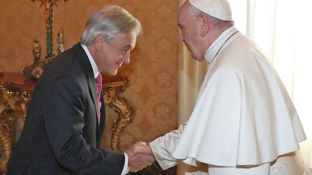 Francisco recibió al presidente chileno Piñera en el Vaticano.