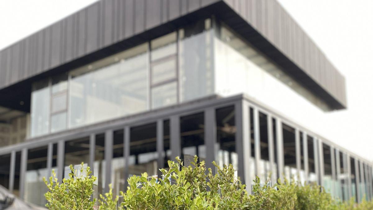 El concepto arquitectónico buscado fue'vivir un espacio en un complejo comercial