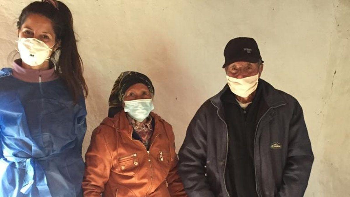 Doce lugareños fueron inoculados con la vacuna de AstraZeneca.