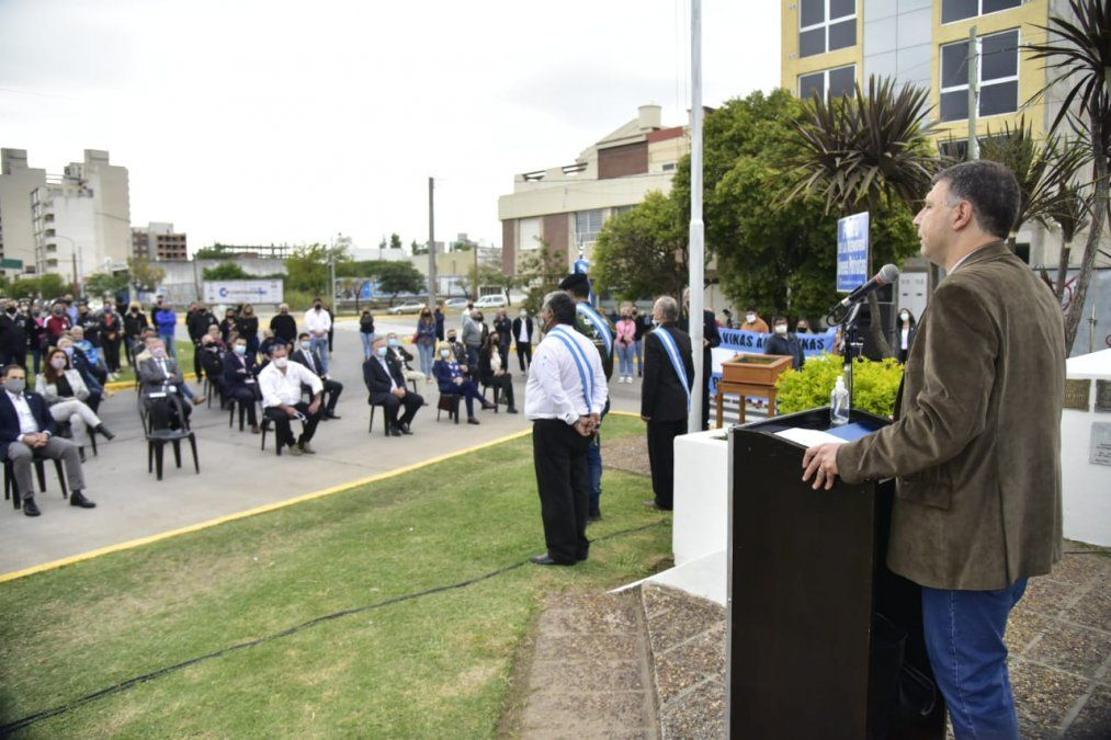 Rosso encabezó el acto por el Día del Veterano y los Caídos en Malvinas